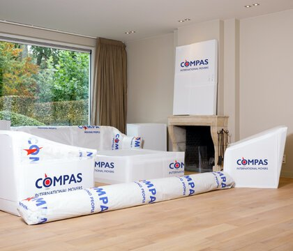 International removal services Compas Movers